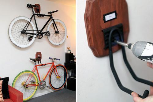 велосипед висит на крюке