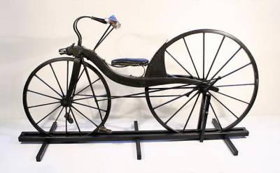 первый металлический велосипед
