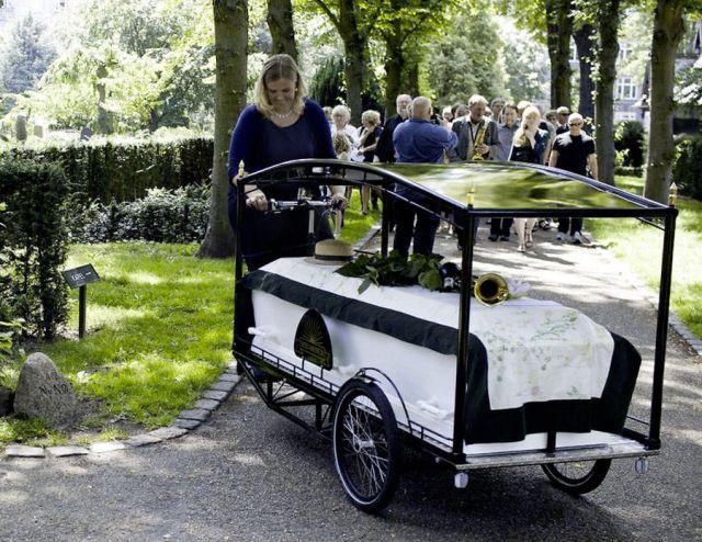 Велосипед-катафалк