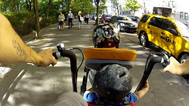 перевозка детей на байке