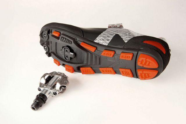 Контактная обувь и педали