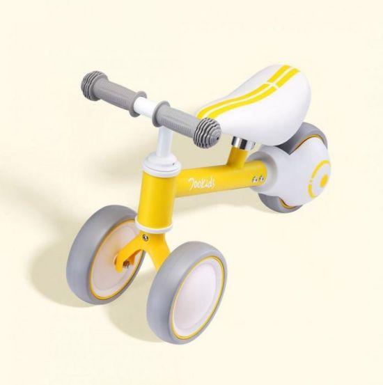 Seven Small Bai Child Yo Car