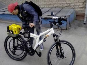 байк с бензиновым двигателем