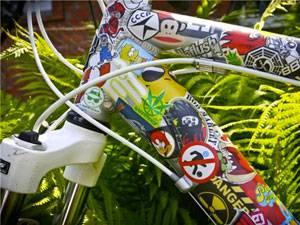наклейки на раме велосипеда