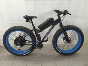 Велосипед с широкими колесами