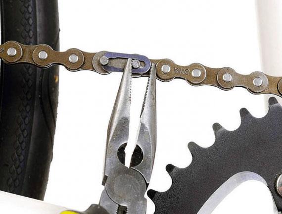 проверка цепи на велосипеде