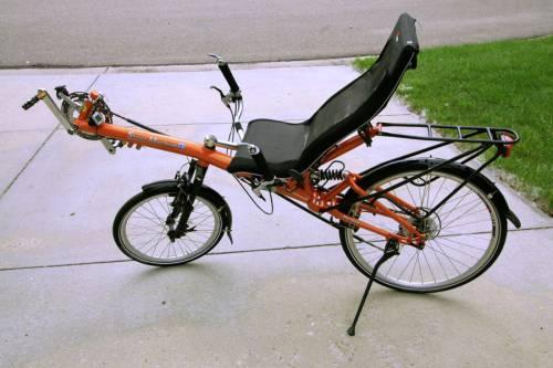 модель с туристическим сиденьем