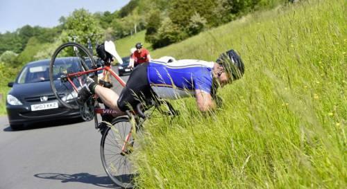 падение велосипедиста