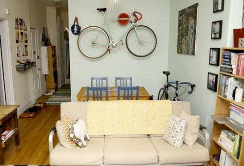фиксация велосипеда на стене