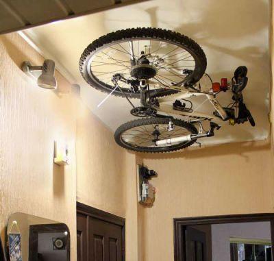 крепление байка на потолке