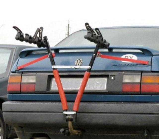 велокрепление на седане