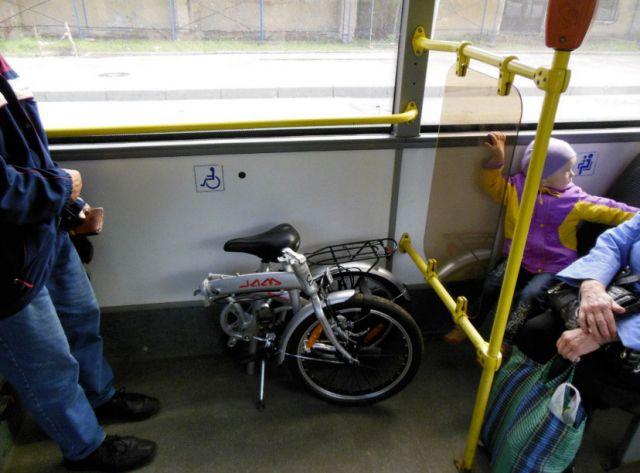 перевозка байка в городском автобусе