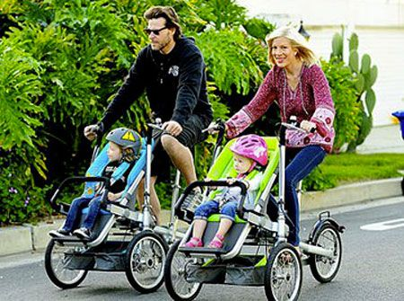 два велосипеда: для мамы и папы